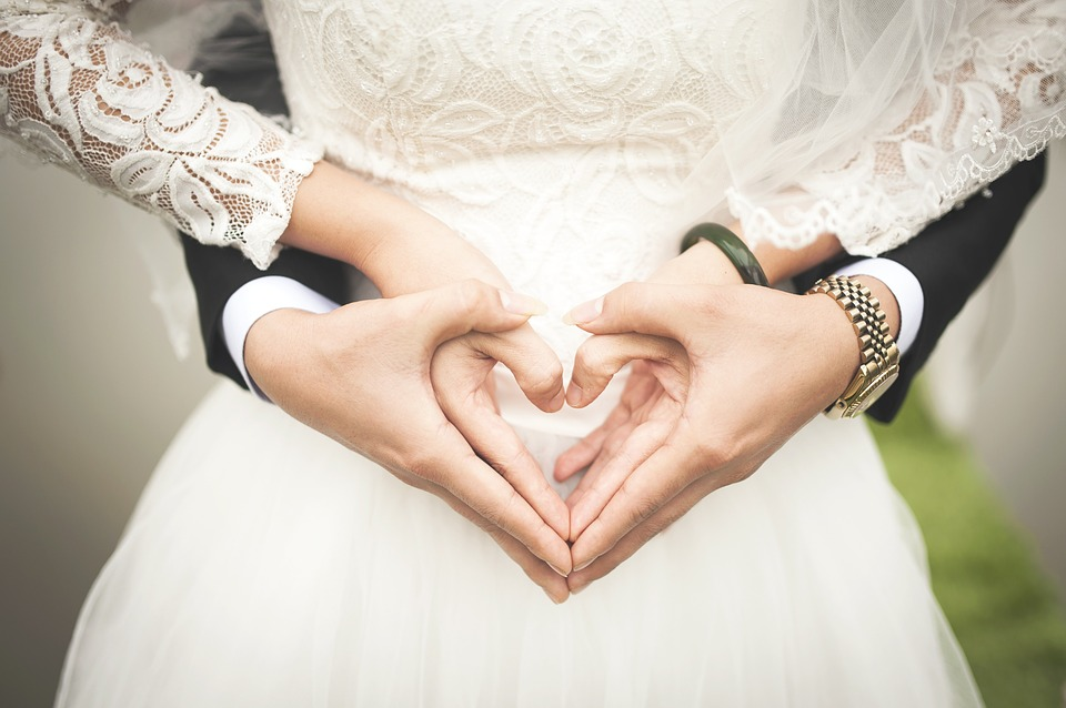 Podruhé se ožení, první svatbu žena po nehodě zapomněla