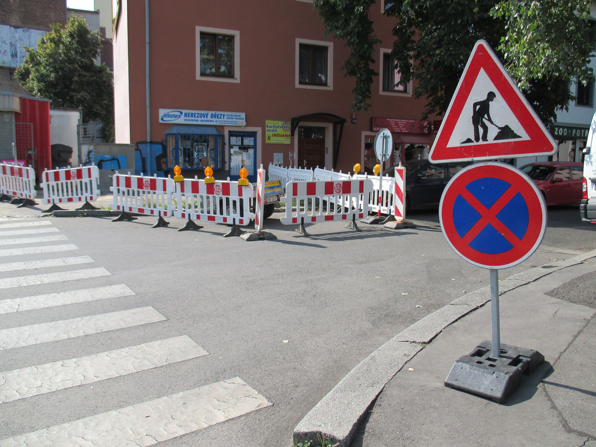 Potřebujete pro obec dopravní značení?